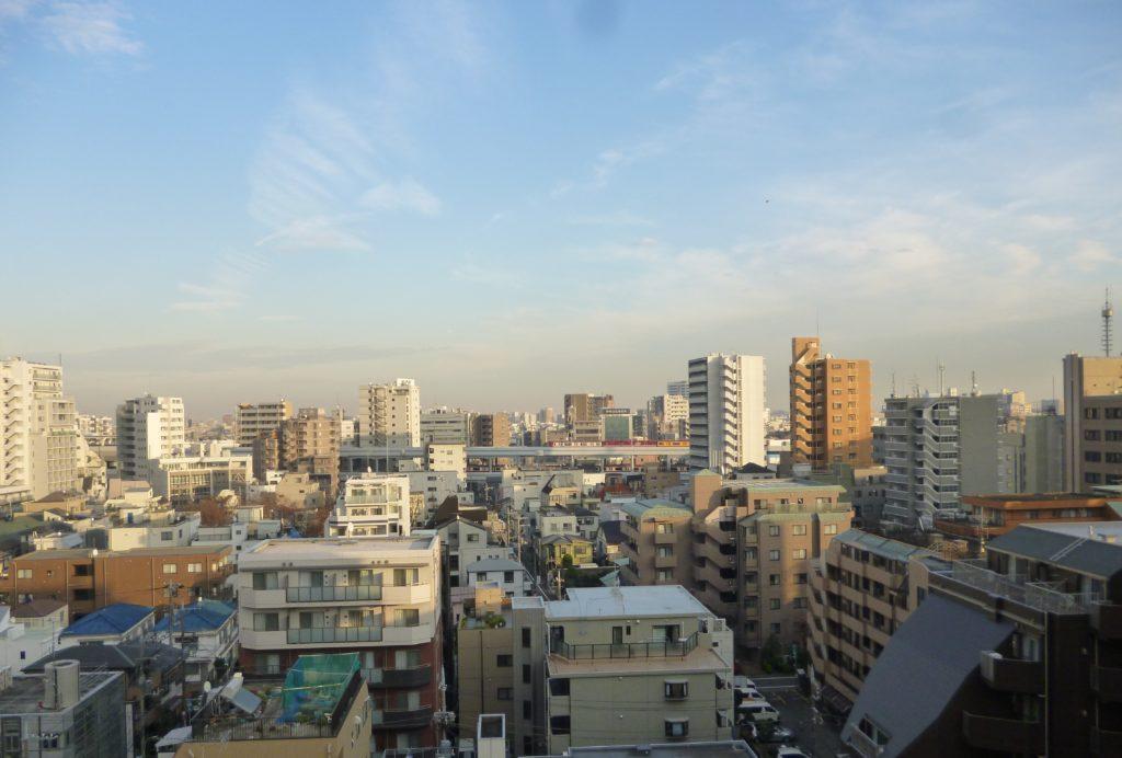 ガーラ蒲田からの眺望です。 京浜急行が走っているのが見えます。