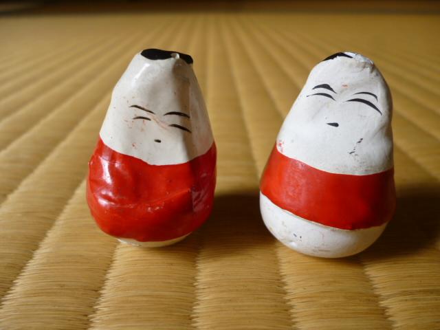 会津の民芸品、起き上がり小法師です。