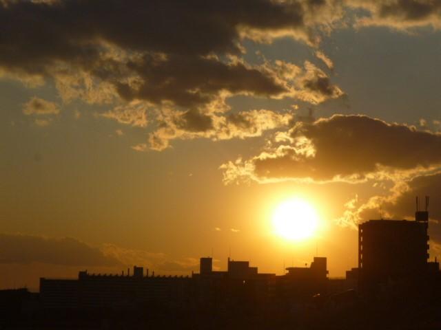 多摩川大師橋緑地の夕日です。