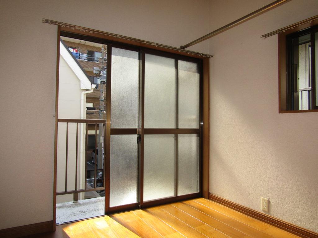 萩中1丁目DIY貸家の2階フローリングの部屋です。