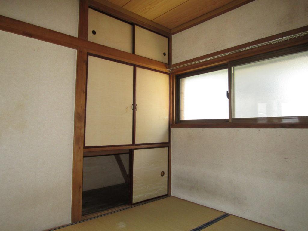 萩中1丁目DIY貸家の2階和室です。