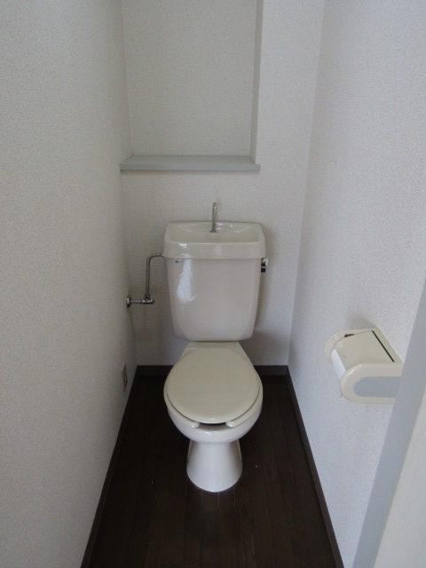ハイツ佐藤のトイレです。