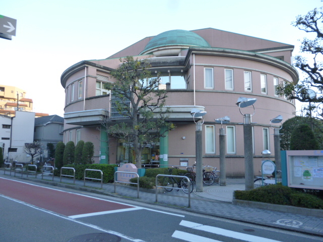 大田区立羽田図書館の外観です。