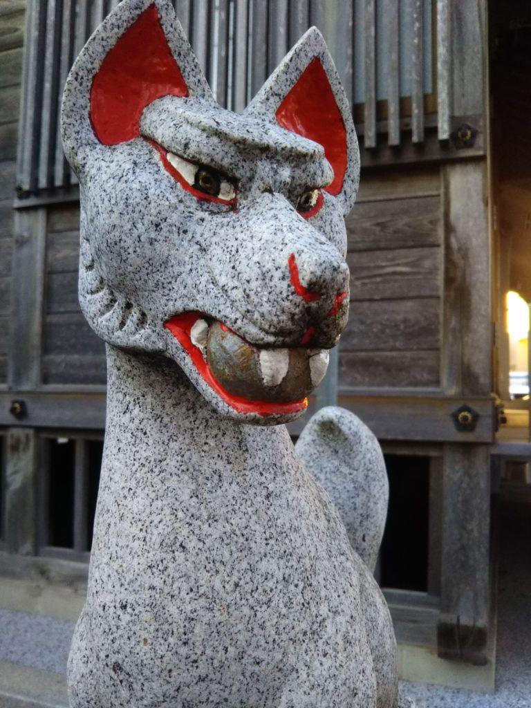 本羽田3丁目の高山稲荷の狐さんです。