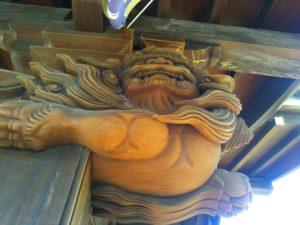 大田区西糀谷3丁目の三徳稲荷神社の阿形の唐獅子です。