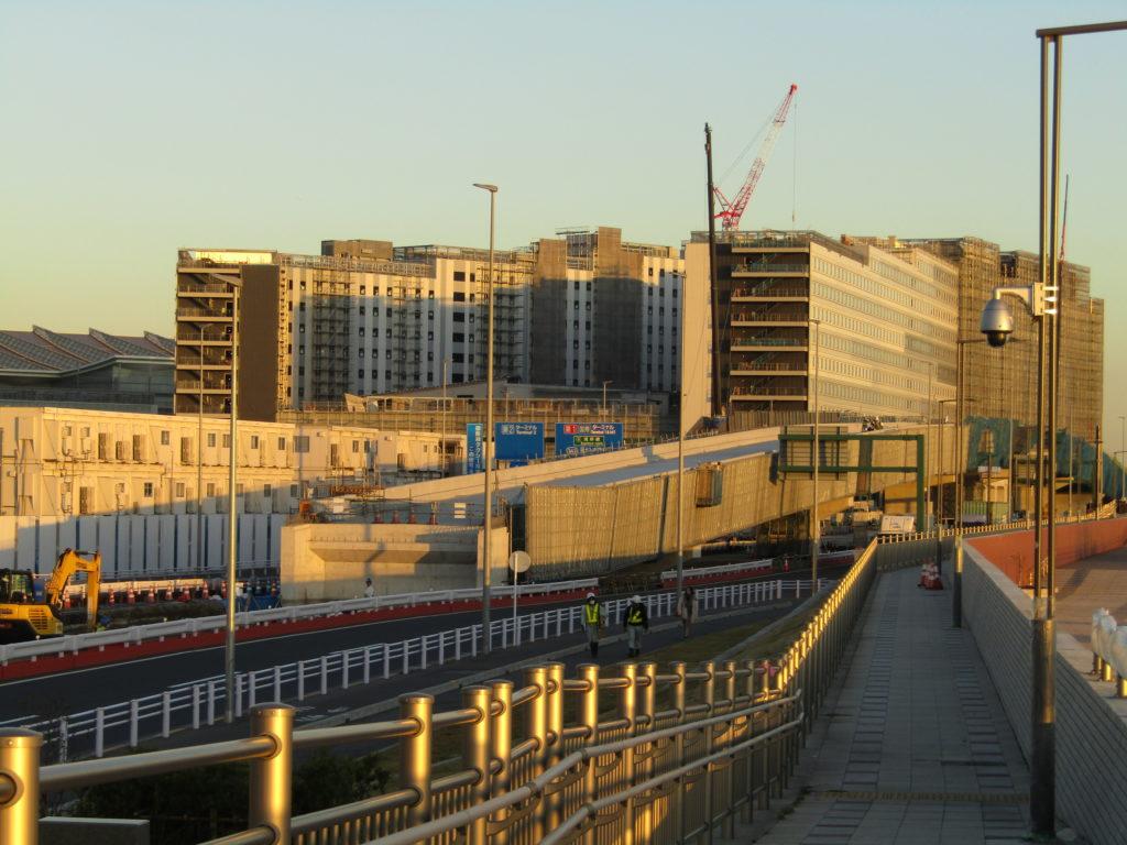 羽田空港内に建設している、新しい道路と新しいホテルです。