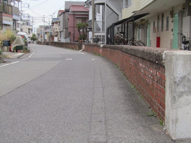 大田区羽田の赤れんがの堤防です。