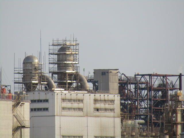 川崎の京浜工業地帯の工場です。