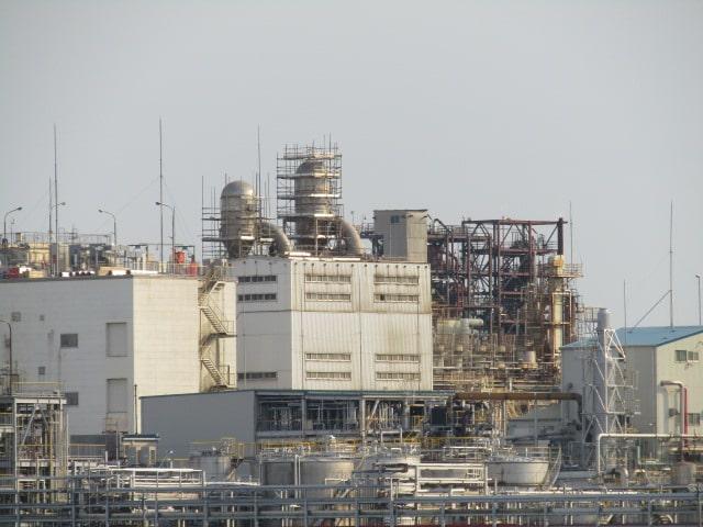 多摩川河口付近の川崎の工業地帯です。