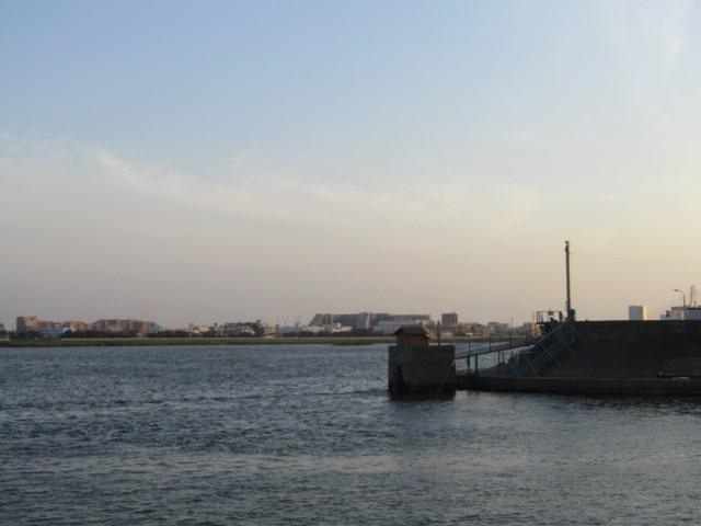 多摩川と海老取川の分流地点、五十件鼻です。