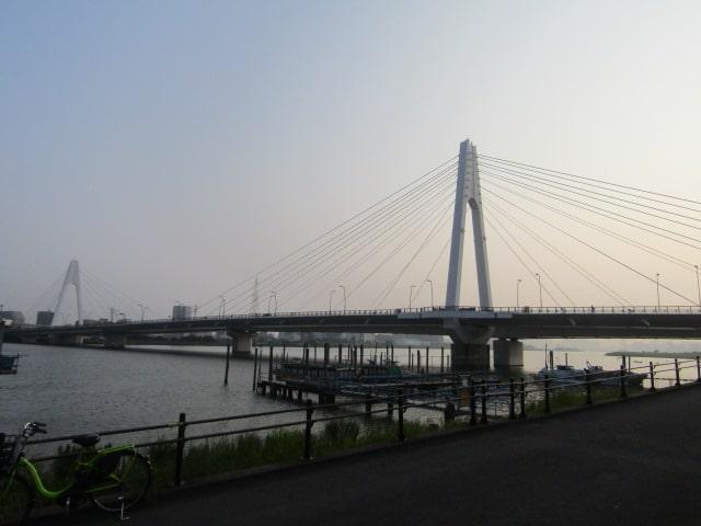 多摩川にかかる大師橋です。