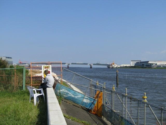 多摩川の河口付近羽田空港の入り口です。