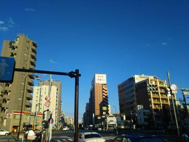 京急空港線の大鳥居駅前の交差点です。