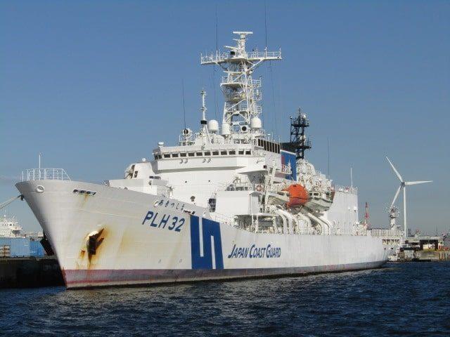 横浜港の海上保安庁の船です。