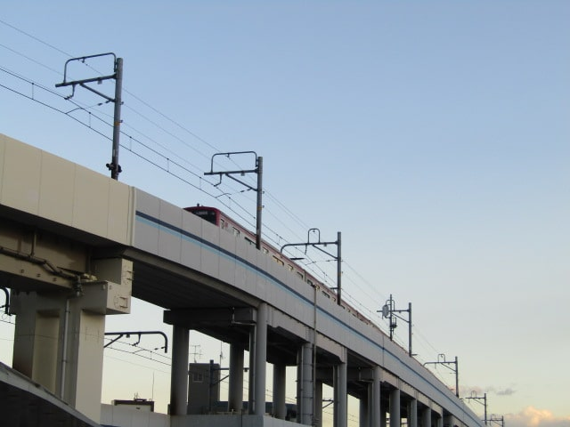 京急空港線の高架です。