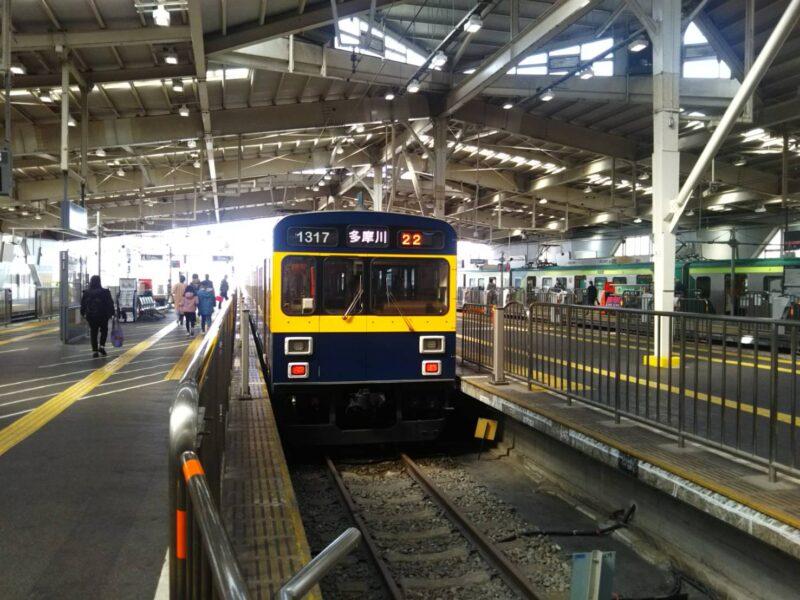 東急蒲田駅ホームの多摩川線です。
