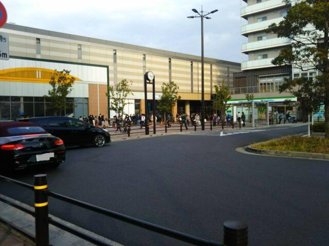 京急空港線の糀谷駅前ロータリーです。