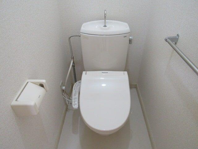 グリーンプラザ、温水洗浄便座を新規に設置しました。