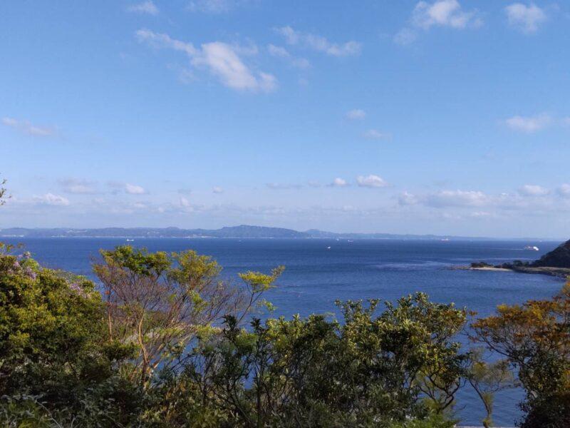 浦賀の海、向こうは房総半島です。