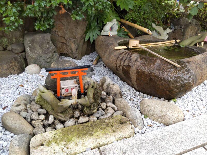 穴守稲荷神社の水琴窟です。