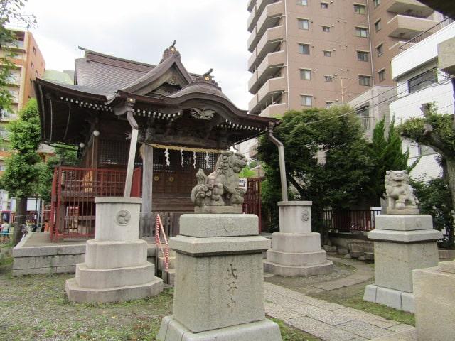 大森東の三輪厳島神社の拝殿です。