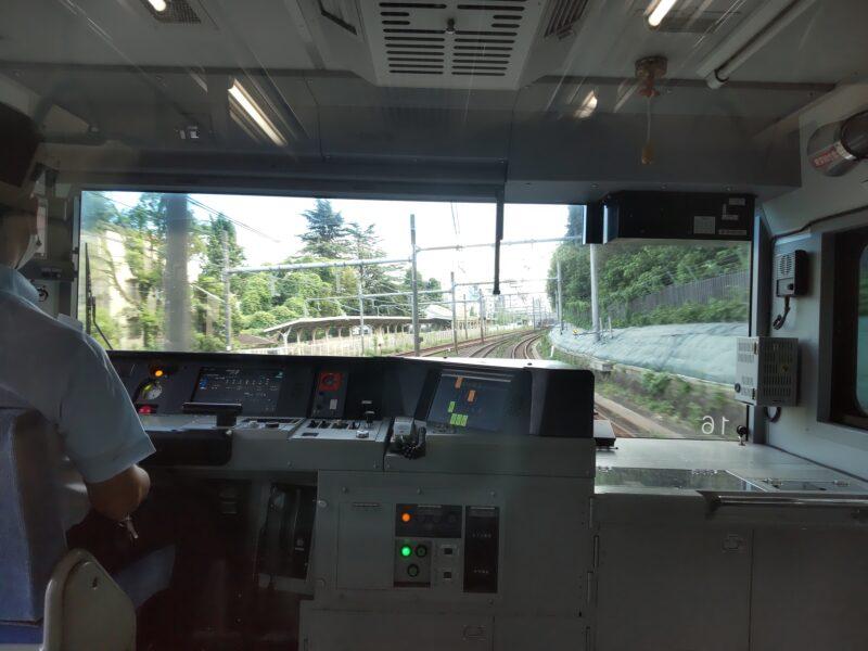 JR山手線の運転席です。